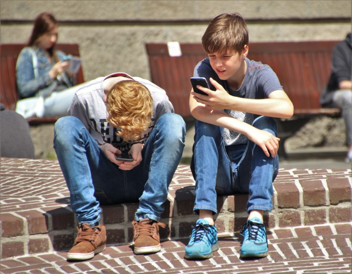 How to reduce electronic device use?