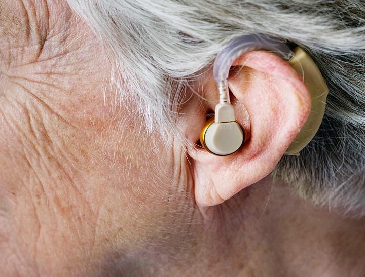 Hearing loss symptoms and treatment
