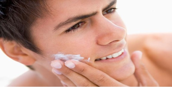 Moisturizing your face at the end