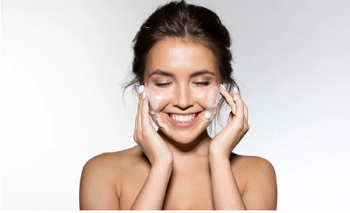 5 Tips to Save Your Skin from Cold and Dry Winter Weather