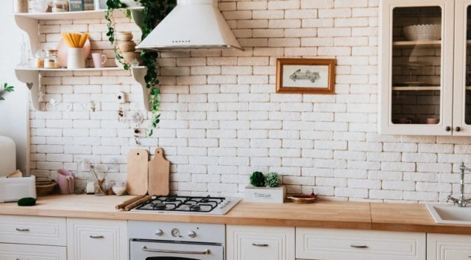 Save money by NOT buying these stuffs for kitchen