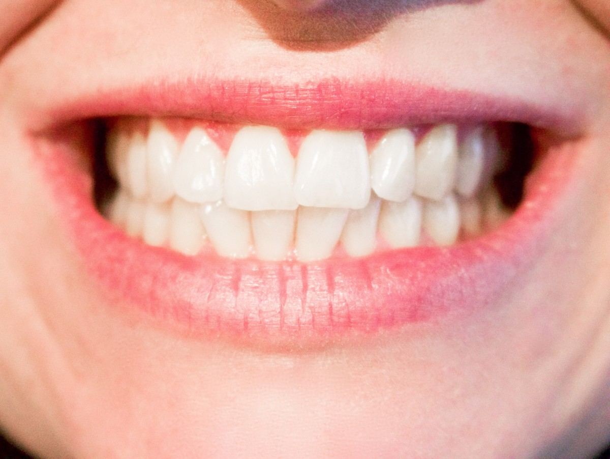 Which Essential Oils Help Improve Your Oral Health