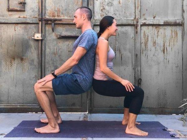Couple yoga benefits